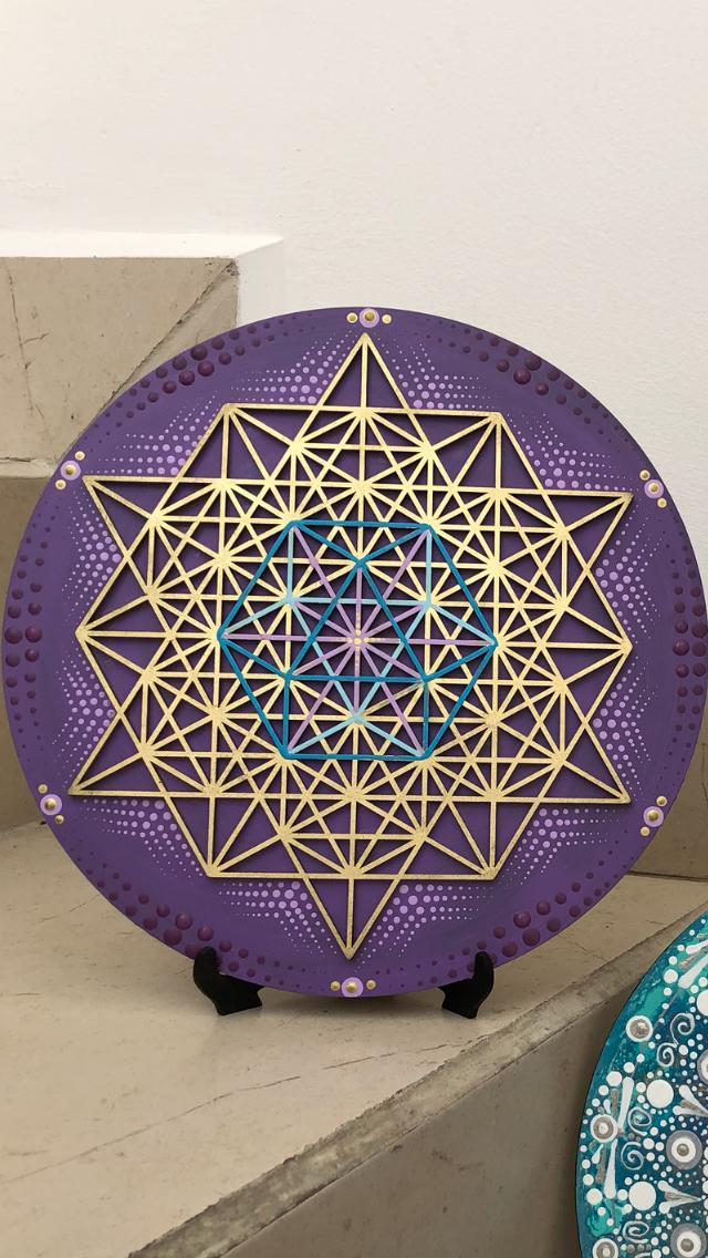 vector-en-equilibrio-morado-joyas-artesanales-BOA139-BOA140-BOA141-geometria