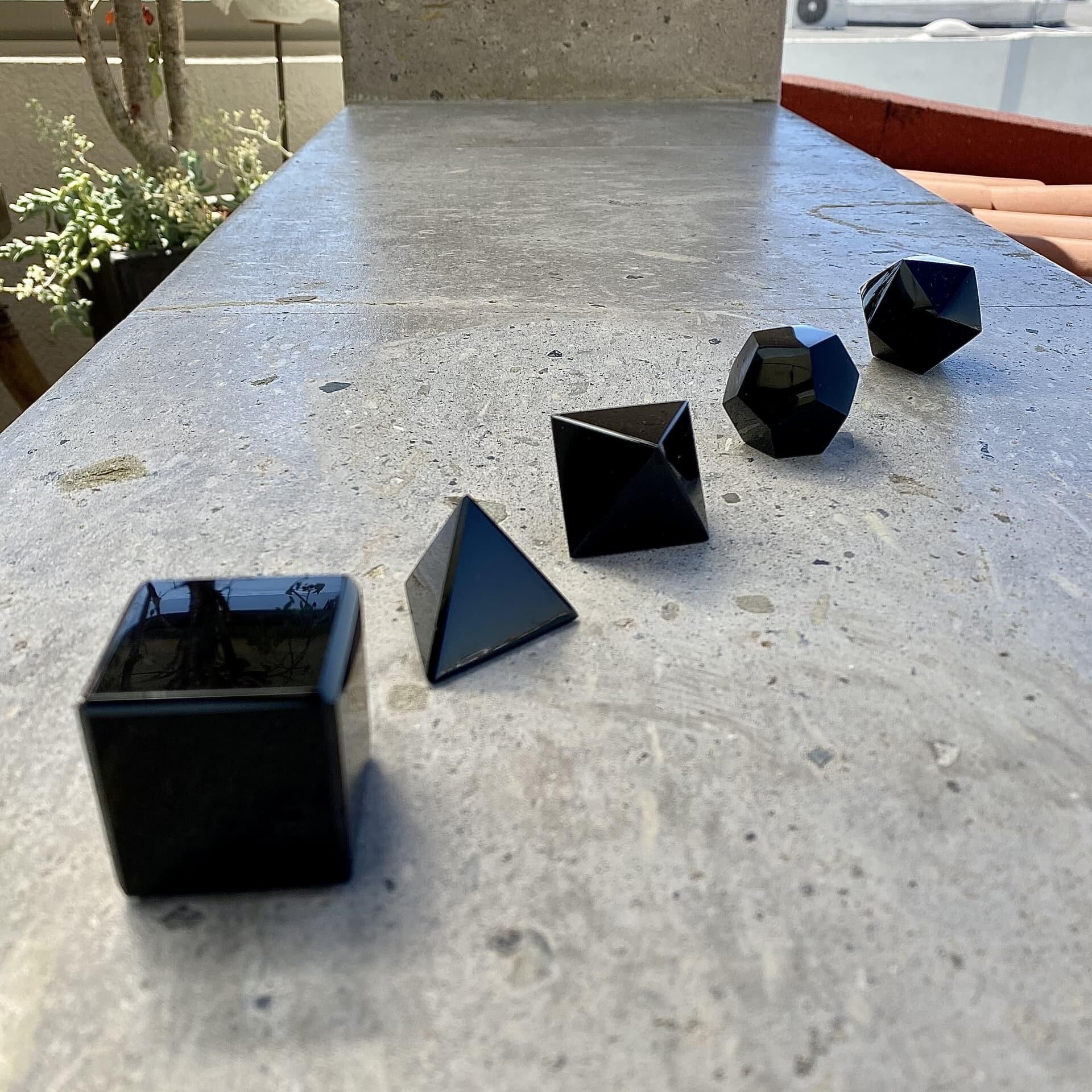 Solidos platonicos artesanales de obsidiana OSAYA